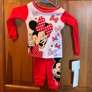 Girls 2 piece set pjs, Mickey and Minnie